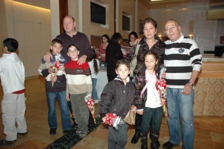גלרייה - מסיבת חנוכה לילדי הבורסה 23.12.08 תמונה 6 מתוך 68