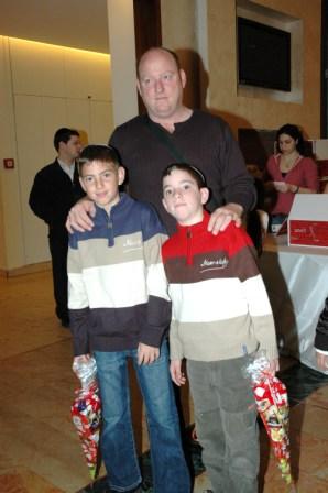 גלרייה - מסיבת חנוכה לילדי הבורסה 23.12.08 תמונה 7 מתוך 68
