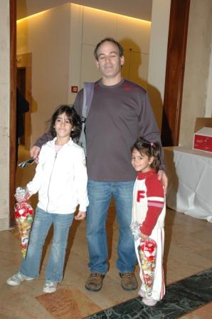 גלרייה - מסיבת חנוכה לילדי הבורסה 23.12.08 תמונה 8 מתוך 68