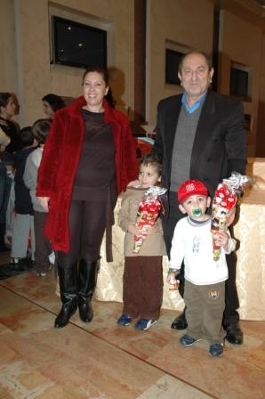 גלרייה - מסיבת חנוכה לילדי הבורסה 23.12.08 תמונה 9 מתוך 68