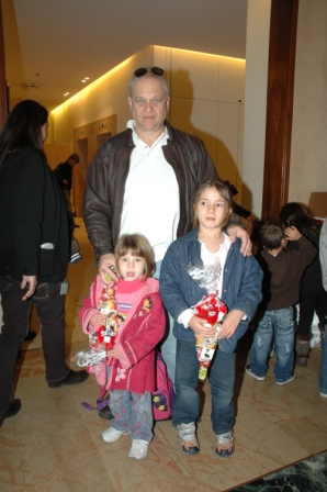 גלרייה - מסיבת חנוכה לילדי הבורסה 23.12.08 תמונה 11 מתוך 68