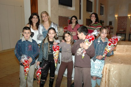 גלרייה - מסיבת חנוכה לילדי הבורסה 23.12.08 תמונה 2 מתוך 68