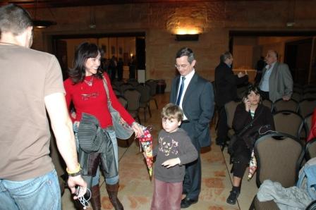 גלרייה - מסיבת חנוכה לילדי הבורסה 23.12.08 תמונה 23 מתוך 68