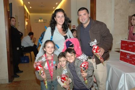 גלרייה - מסיבת חנוכה לילדי הבורסה 23.12.08 תמונה 3 מתוך 68