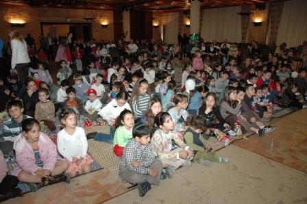גלרייה - מסיבת חנוכה לילדי הבורסה 23.12.08 תמונה 26 מתוך 68
