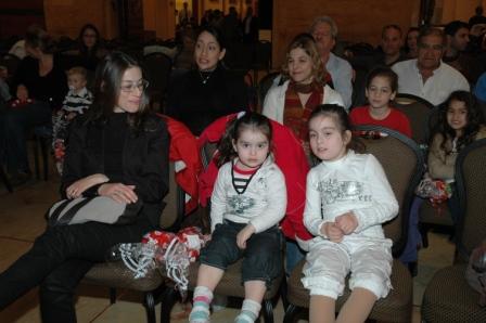 גלרייה - מסיבת חנוכה לילדי הבורסה 23.12.08 תמונה 35 מתוך 68