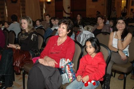 גלרייה - מסיבת חנוכה לילדי הבורסה 23.12.08 תמונה 36 מתוך 68