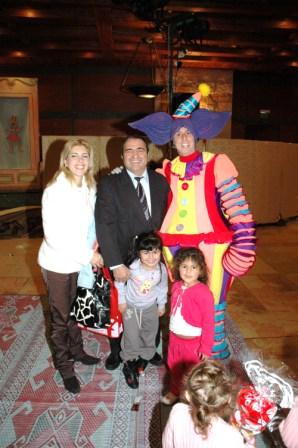 גלרייה - מסיבת חנוכה לילדי הבורסה 23.12.08 תמונה 67 מתוך 68