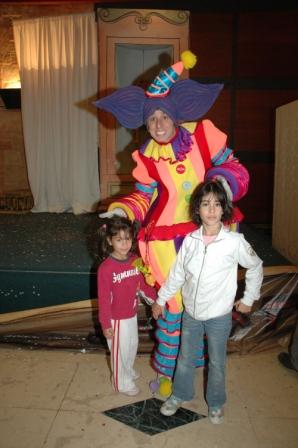 גלרייה - מסיבת חנוכה לילדי הבורסה 23.12.08 תמונה 68 מתוך 68