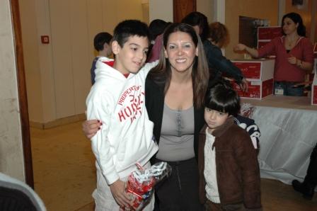 גלרייה - מסיבת חנוכה לילדי הבורסה 23.12.08 תמונה 45 מתוך 68