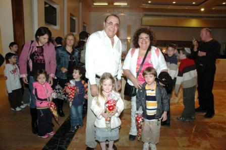 גלרייה - מסיבת חנוכה לילדי הבורסה 23.12.08 תמונה 46 מתוך 68