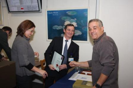 גלרייה - חלוקת תעודות מגשר 22.11.2009 תמונה 64 מתוך 69