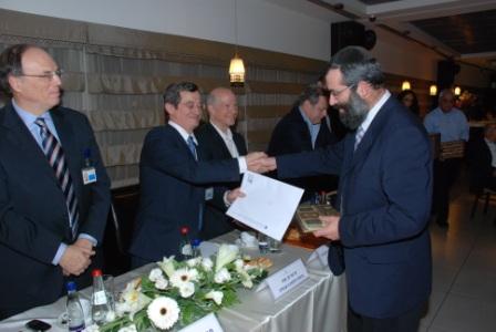 גלרייה - טקס סיום קורס (26 ו-27) חברים חדשים 21.12.2009 תמונה 39 מתוך 76
