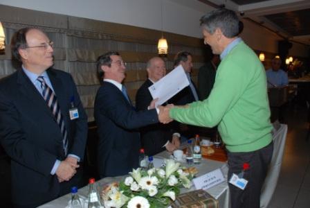 גלרייה - טקס סיום קורס (26 ו-27) חברים חדשים 21.12.2009 תמונה 41 מתוך 76