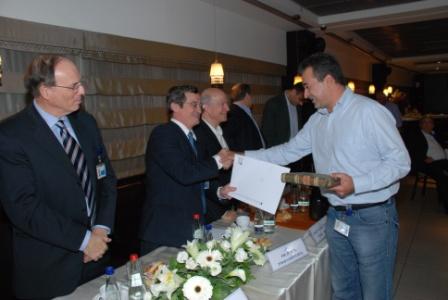 גלרייה - טקס סיום קורס (26 ו-27) חברים חדשים 21.12.2009 תמונה 46 מתוך 76