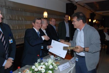 גלרייה - טקס סיום קורס (26 ו-27) חברים חדשים 21.12.2009 תמונה 49 מתוך 76