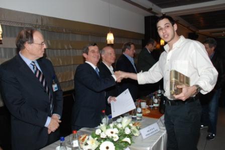 גלרייה - טקס סיום קורס (26 ו-27) חברים חדשים 21.12.2009 תמונה 55 מתוך 76
