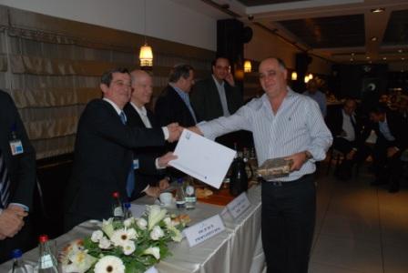 גלרייה - טקס סיום קורס (26 ו-27) חברים חדשים 21.12.2009 תמונה 60 מתוך 76