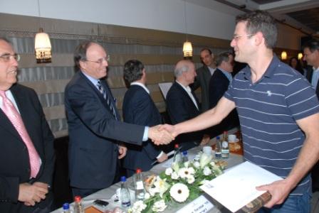 גלרייה - טקס סיום קורס (26 ו-27) חברים חדשים 21.12.2009 תמונה 64 מתוך 76