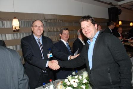 גלרייה - טקס סיום קורס (26 ו-27) חברים חדשים 21.12.2009 תמונה 67 מתוך 76