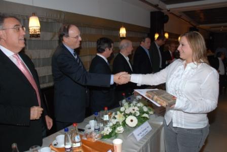 גלרייה - טקס סיום קורס (26 ו-27) חברים חדשים 21.12.2009 תמונה 70 מתוך 76