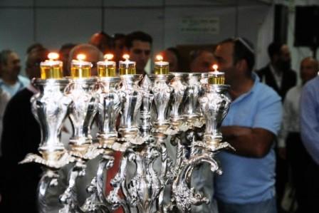 גלרייה - הדלקת נרות חנוכה 1-8.12.2010 תמונה 27 מתוך 81