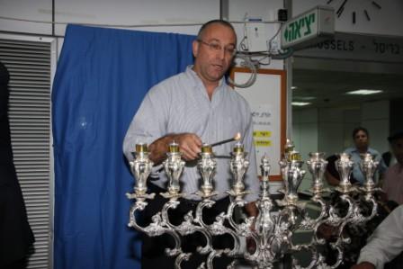 גלרייה - הדלקת נרות חנוכה 1-8.12.2010 תמונה 31 מתוך 81