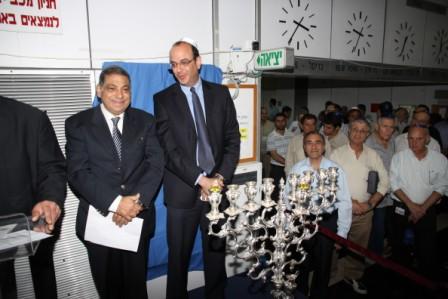 גלרייה - הדלקת נרות חנוכה 1-8.12.2010 תמונה 8 מתוך 81