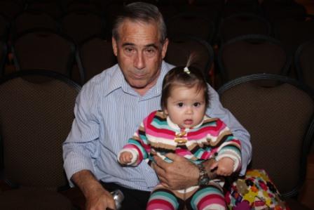 גלרייה - מסיבת חנוכה לילדי הבורסה (דימול) 6.12.2010 תמונה 1 מתוך 63