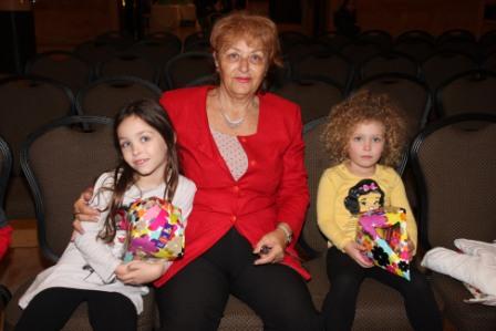 גלרייה - מסיבת חנוכה לילדי הבורסה (דימול) 6.12.2010 תמונה 10 מתוך 63