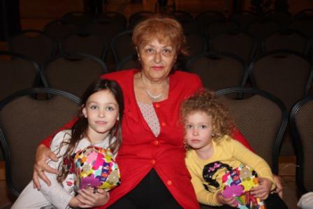גלרייה - מסיבת חנוכה לילדי הבורסה (דימול) 6.12.2010 תמונה 11 מתוך 63