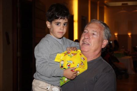 גלרייה - מסיבת חנוכה לילדי הבורסה (דימול) 6.12.2010 תמונה 12 מתוך 63