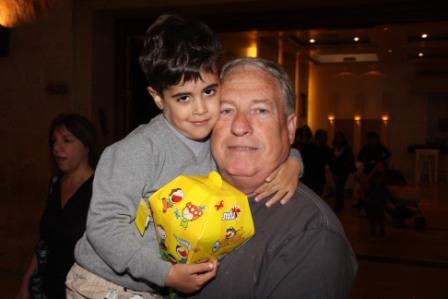 גלרייה - מסיבת חנוכה לילדי הבורסה (דימול) 6.12.2010 תמונה 13 מתוך 63