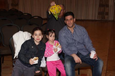 גלרייה - מסיבת חנוכה לילדי הבורסה (דימול) 6.12.2010 תמונה 15 מתוך 63