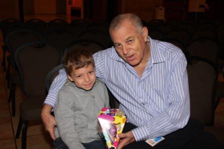 גלרייה - מסיבת חנוכה לילדי הבורסה (דימול) 6.12.2010 תמונה 2 מתוך 63