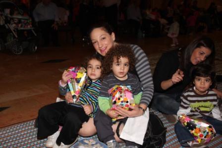 גלרייה - מסיבת חנוכה לילדי הבורסה (דימול) 6.12.2010 תמונה 24 מתוך 63