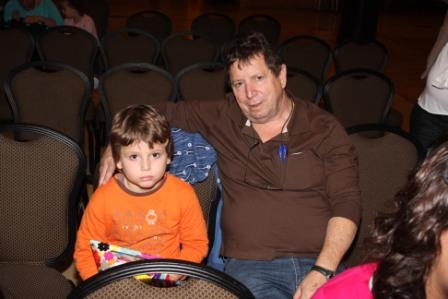 גלרייה - מסיבת חנוכה לילדי הבורסה (דימול) 6.12.2010 תמונה 26 מתוך 63