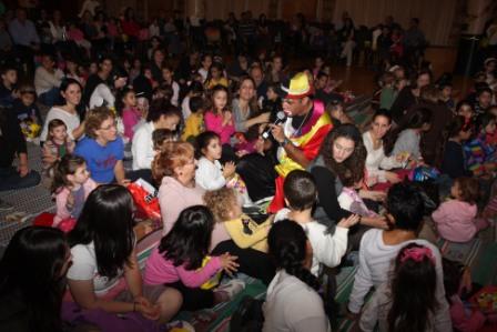 גלרייה - מסיבת חנוכה לילדי הבורסה (דימול) 6.12.2010 תמונה 27 מתוך 63