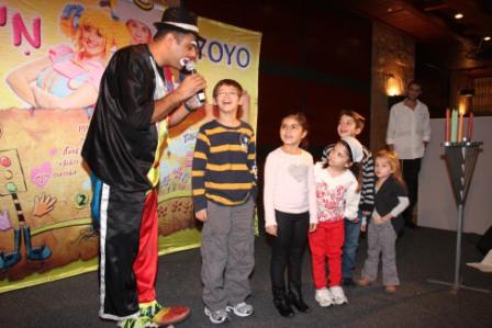 גלרייה - מסיבת חנוכה לילדי הבורסה (דימול) 6.12.2010 תמונה 29 מתוך 63