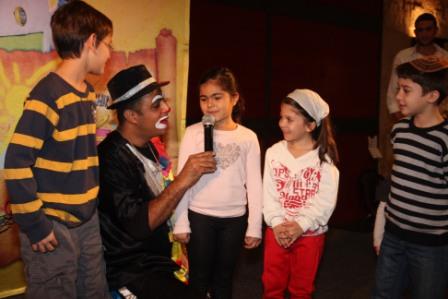 גלרייה - מסיבת חנוכה לילדי הבורסה (דימול) 6.12.2010 תמונה 30 מתוך 63