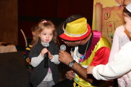 גלרייה - מסיבת חנוכה לילדי הבורסה (דימול) 6.12.2010 תמונה 38 מתוך 63