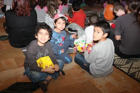 גלרייה - מסיבת חנוכה לילדי הבורסה (דימול) 6.12.2010 תמונה 50 מתוך 63