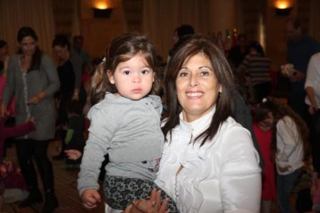 גלרייה - מסיבת חנוכה לילדי הבורסה (דימול) 6.12.2010 תמונה 51 מתוך 63