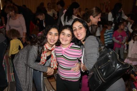 גלרייה - מסיבת חנוכה לילדי הבורסה (דימול) 6.12.2010 תמונה 52 מתוך 63