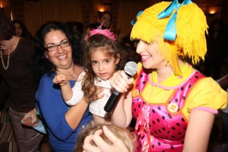 גלרייה - מסיבת חנוכה לילדי הבורסה (דימול) 6.12.2010 תמונה 53 מתוך 63