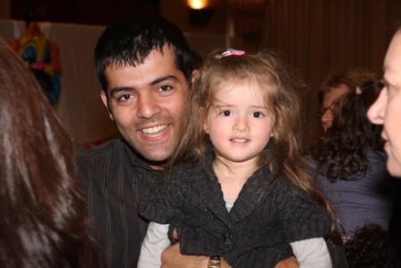גלרייה - מסיבת חנוכה לילדי הבורסה (דימול) 6.12.2010 תמונה 54 מתוך 63