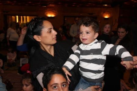 גלרייה - מסיבת חנוכה לילדי הבורסה (דימול) 6.12.2010 תמונה 57 מתוך 63