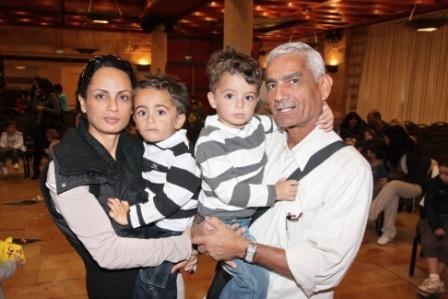 גלרייה - מסיבת חנוכה לילדי הבורסה (דימול) 6.12.2010 תמונה 59 מתוך 63