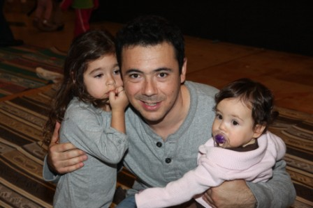 גלרייה - מסיבת חנוכה לילדי הבורסה (דימול) 6.12.2010 תמונה 61 מתוך 63