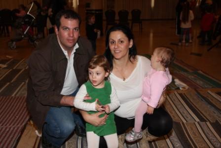 גלרייה - מסיבת חנוכה לילדי הבורסה (דימול) 6.12.2010 תמונה 62 מתוך 63